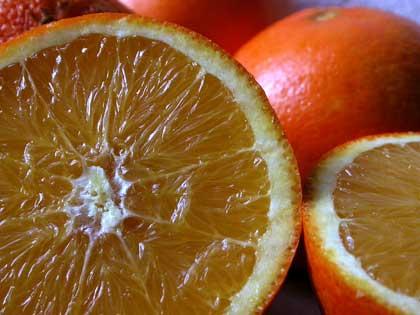 Arance, mangiamo sostanze utili con la frutta di stagione