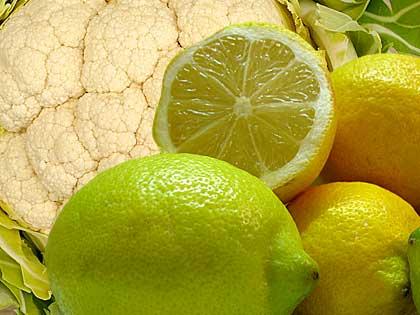 Cavolfiore lesso con salsa di limone. E Buon Natale