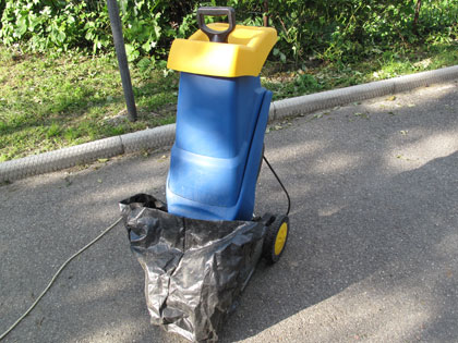 Il biotrituratore per produrre compost anche dal for Costruire compostiera